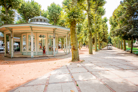 공원 Vichy시, 프랑스 에디토리얼