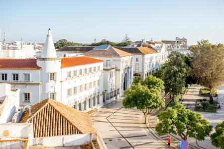 Top view on the old town with Manuel Bivar garden in Faro on the south of Portugal Foto de archivo - 90590399