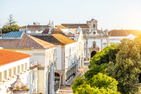 Top view on the old town with Manuel Bivar garden in Faro on the south of Portugal Foto de archivo - 90609391
