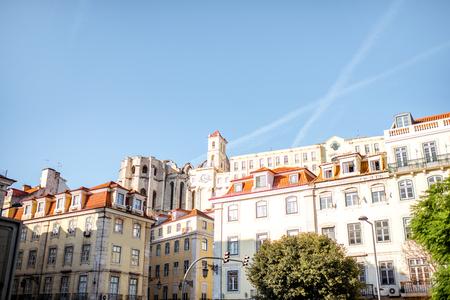 리스본 도시, 포르투갈에서 우리의 레이디 교회 수녀원의 건물에보기