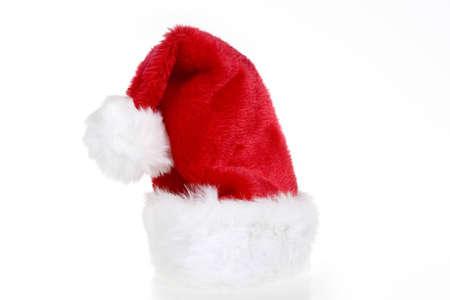 흰색 배경에 빨간색과 흰색 산타 모자