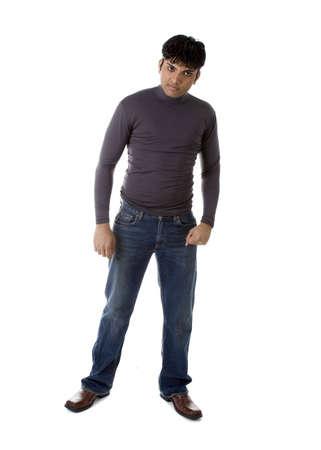 カジュアルな服装で成人男性インド モデル