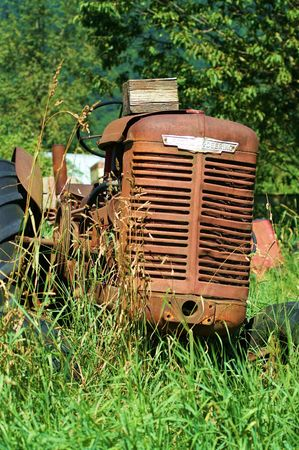 OLD RUSTED TRACTOR GRILL photo