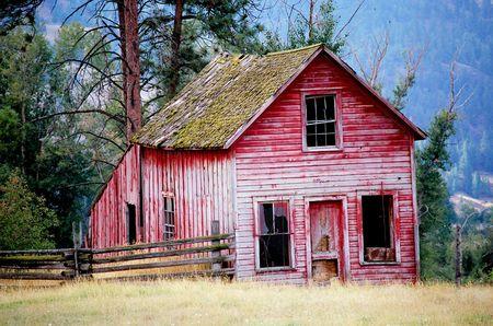 farm house: OLD RED FARM HOUSE Stock Photo