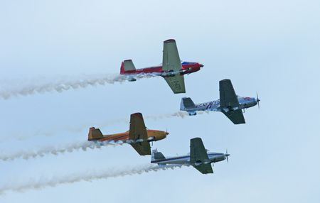 FOUR PLANES IN FORMATION-78