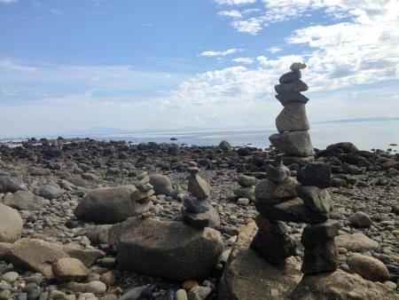 balanced rocks: Well balanced rocks on the beach at Cresent Beach in Surrey British Columbia