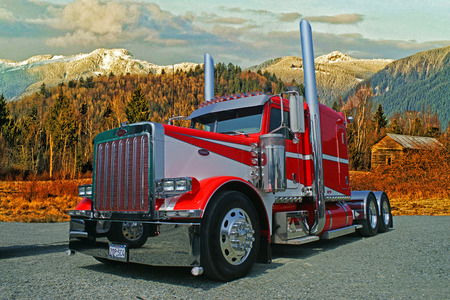 Peterbilt Tractor in the Fall Mountains Editöryel