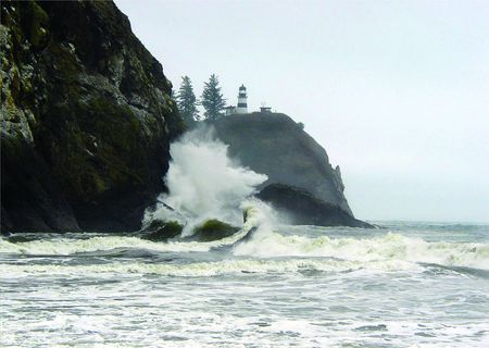 disappointment: Giant wave at Cape Disappointment
