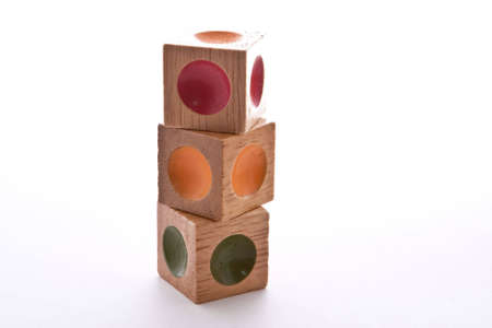 Hölzerne Blöcke puzzle mit Gedankenstrich in verschiedenen Farben  Standard-Bild - 5688492