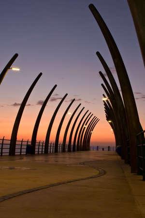Sonnenaufgang über Umlanga Pier von der Spitze der Struktur  Standard-Bild - 6499237