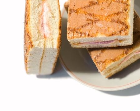 Trois biscuits gâteaux sur une plaque. Banque d'images - 9179276