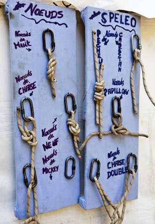 caving: Caving knots