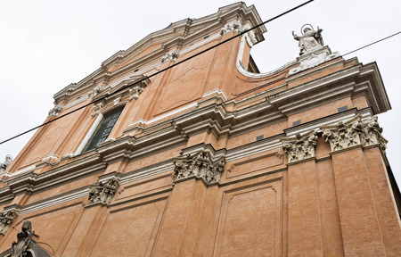 pilaster: Cathedral of St Peter (Cattedrale Metropolitana di San Pietro) in Bologna, Italy
