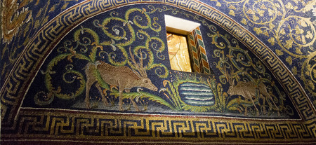 pyre: Detail of a Byzantine mosaic depicting two deer near a small lake and an alabaster window in the Mausoleum of Galla Placidia, in Ravenna, Italy. Stock Photo