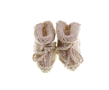 lull: Hand-made pair of booties for a newborn baby