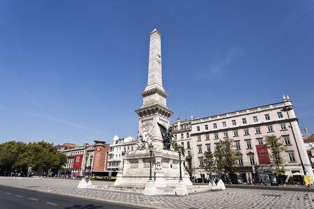 domination: El Monumento a los restauradores es un obelisco dedicado a la restauraci�n de la independencia de Portugal en 1640, despu�s de 60 a�os de dominaci�n espa�ola, en Lisboa, Portugal Editorial