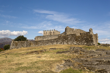 donjon: The Castle of Lindoso is a defence monument built in the 13th century, which has played an important role during periods of military conflict with Castela.