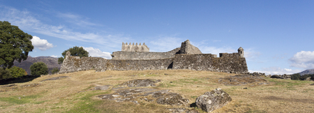 periods: The Castle of Lindoso is a defence monument built in the 13th century, which has played an important role during periods of military conflict with Castela.
