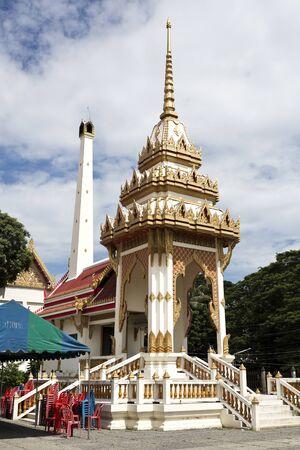 na: Detail of the crematorium at Wat Na Phra Men monastery complex in Ayutthaya, Thailand