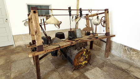 View of the pathetic torture table used between 1934 and 1974 in the political prison of Salazar dictatorship in the fortress of Peniche, Portugal Stock fotó