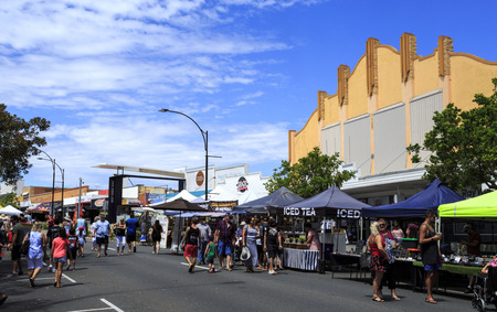The Redcliffe Jetty Markets, on the foreshore in the heart of Redcliffe, are excellent for fresh farm produce, arts and crafts and ethnic food specialities.