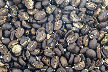 Coffee beans after being medium roasted 免版税图像