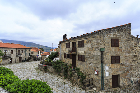 Panoramic view of the beautiful historic village of Linhares da Beira, Beira Alta, Portugal Banque d'images - 121718201