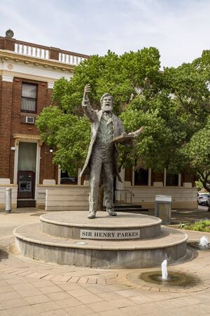 Statue fo Sir Henry Parkes, a tribute to the Father of Federation in the town of Parkes, located in central New South Wales, Australia