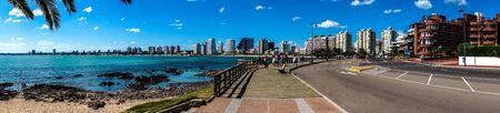 del: Panoramic view of Punta del Este beach and city Editorial