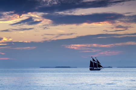 Beautiful Sunset Sail In The Warm Ocean Waters of Key West Florida Фото со стока - 24473682