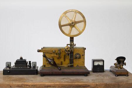 ancien télégraphe machine à