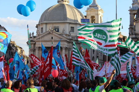 sectarian: Rome, Italy - 08 november 2014 - Trade union demostration