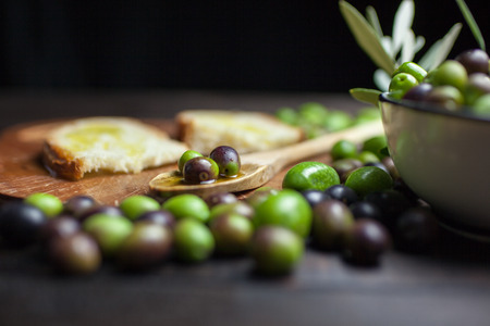 olive oil and bread Imagens