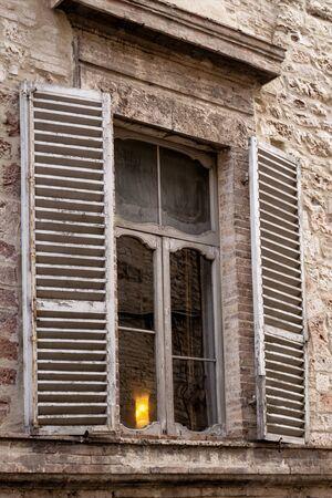 assisi: Assisi window