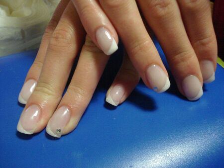 nail art whit french manicure