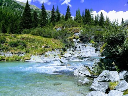 cascade de montagne