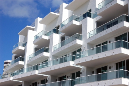 gradas: Condominio Terrazas en el norte de Miami Beach