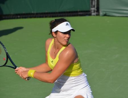 backhand: Laura Robson de Gran Breta�a a la creaci�n de un rev�s a dos manos durante su victoria de primera ronda en el Campeonato Abierto de Tenis Sony en Key Biscayne en 20 de marzo 2013