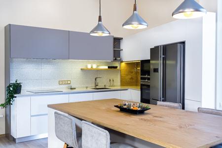 Immagini Stock - Interni Moderni. Design Moderno Della Cucina In ...