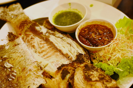 Salt-Crusted Grilled Fish 版權商用圖片