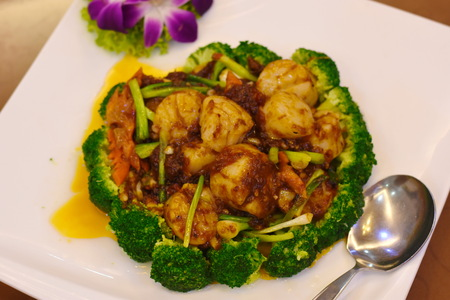 Scallops with Sauce and Broccoli