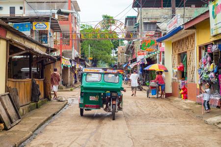 フィリピンのパラワンのコロンの町のストリート ビュー。 報道画像
