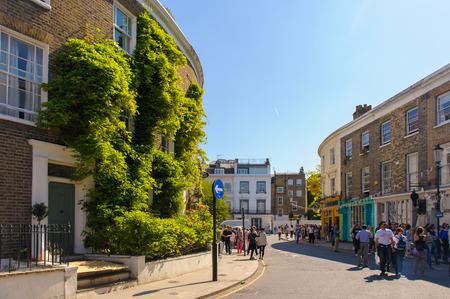ノッティング ・ ヒル, ロンドンのポートベロー ロード マーケットのストリート ビュー
