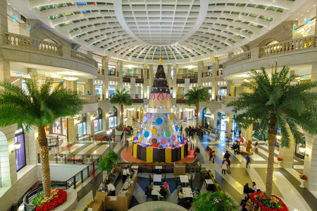 huge christmas tree: A huge Christmas Tree in the lobby of shopping mall named bella vita for the holiday