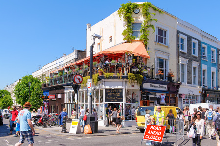 notting: street view of notting hill in london