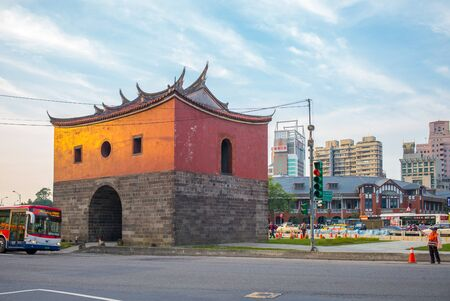 north gate: northern gate of the old taipei city, which was surrounded by overpasses for 39 years Editorial