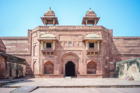 fatehpur: Fatehpur Sikri, a city served as the capital of the Mughal Empire from 1571 to 1585