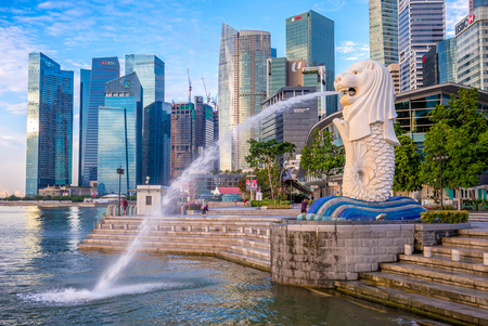 merlion statue at marina bay, singapore