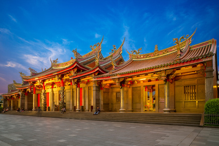 Hsing Tian Kong in taipei at night