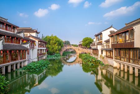 Paisaje del casco antiguo de Qibao en Shanghai, China